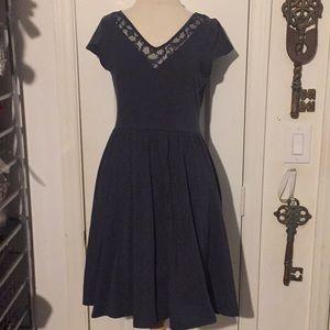 NWT LC Lauren Conrad XS desert palm laceneck dress
